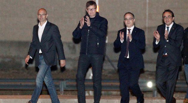 Los exconsellers de la Generalitat a su salida de la prisión de Estremera