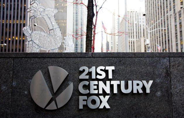 Fotografía de archivo del 9 de diciembre de 2016 que muestra el rótulo de 21st Century Fox en sus oficinas de Nueva York