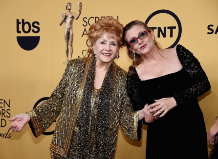 Carrie Fisher y su madre Debbie Reynolds en 2015