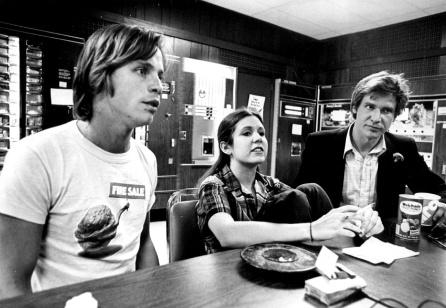 De izquierda a derecha: Mark Hamill, Carrie Fisher y Harrison Ford.