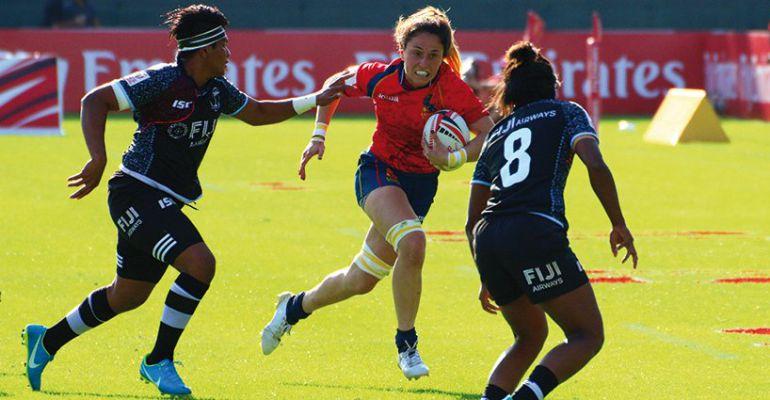 Acción en un partido de la selección española de rugby femenino
