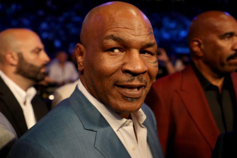 Mike Tyson, en la pelea que enfrentó a Mayweather y McGregor en agosto del pasado año