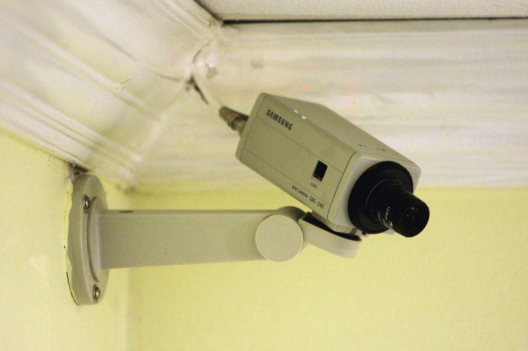 Estrasburgo dictamina que grabar con cámaras ocultas viola la intimidad
