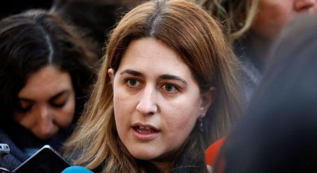 Marta Pascal, hace declaraciones en los alrededores del Tribunal Supremo
