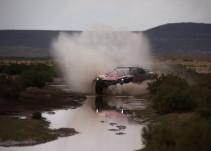 Carlos Sainz y Joan Barreda hacen doblete en el Dakar