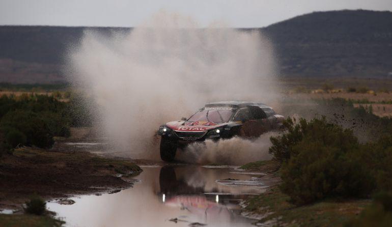 Carlos Sainz, durante la séptima etapa del Rally Dakar