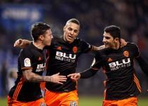 Los errores del Deportivo impulsan al Valencia