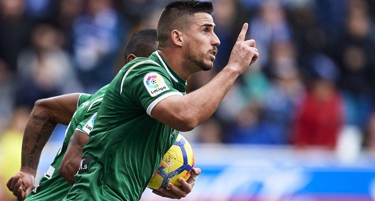 Gabriel celebra su gol en Vitoria