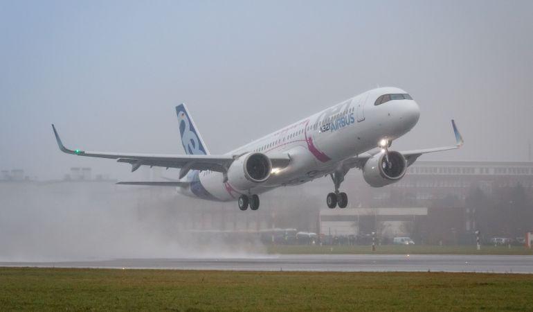 Airbus presenta el A321LR, su avión de largo recorrido.