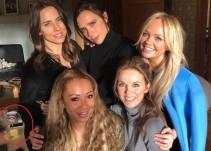 Un usuario triunfa en Twitter al fijarse en un detalle de esta foto de las Spice Girls