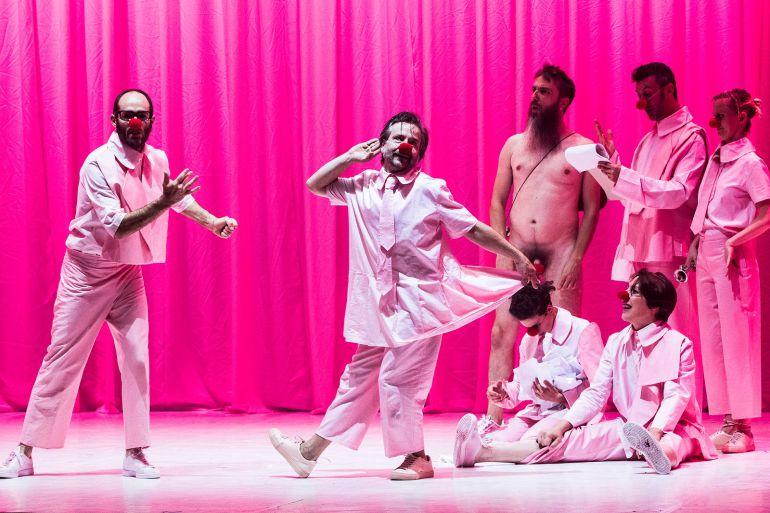 Un Shakespeare ciego de tripis: los gallegos Voadora llegan al CDN con una visión lisérgica de 'Sueño de una noche de verano': Un Shakespeare ciego de tripis