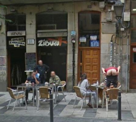 Google Street View culo: La foto que Google no aguantó más tiempo sin pixelar