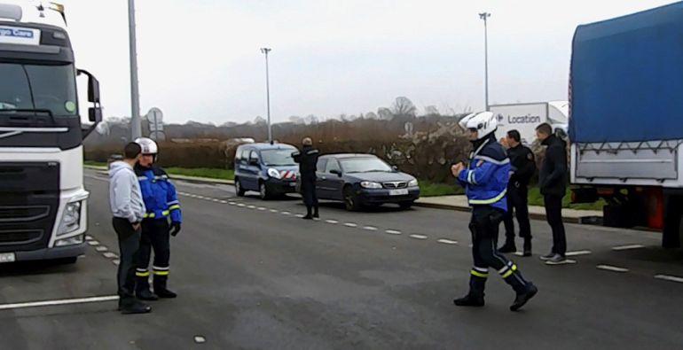 Fotografías facilitadas por el Ministerio del Interior, de la operación Mémoire vivante que se llevó a cabo los pasados días 5 y 6 de febrero, con el traslado del 'archivo de ETA' desde París a Madrid en un convoy de camiones de la Guardia Civil.
