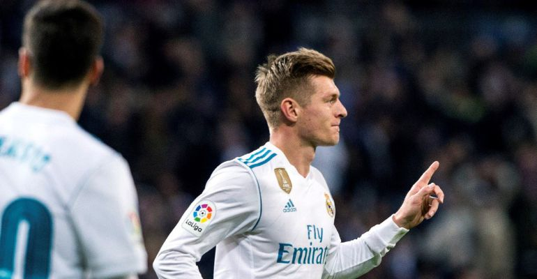 Toni Kroos celebra su gol ante la Real Sociedad