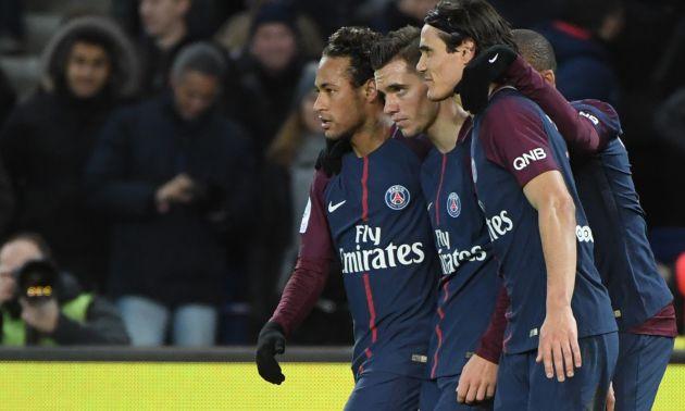 El famoso tridente del PSG -Neymar, Cavani y Mbappé- celebra un gol junto a Giovani Lo Celso.
