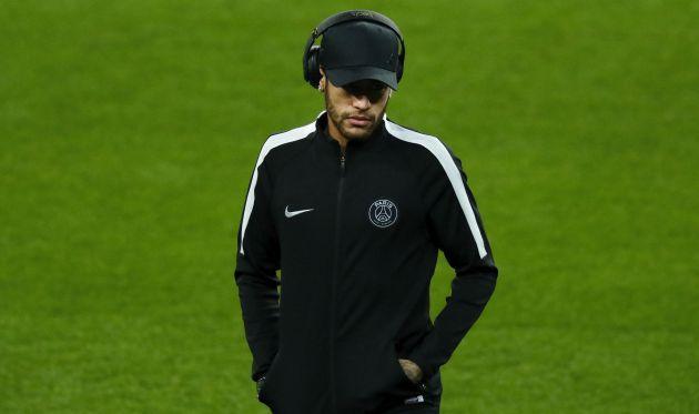 Neymar, en el césped del Bernabéu