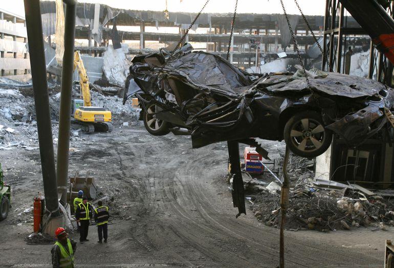 El atentado de ETA en la Terminal 4 de Barajas se produjo el 30 de diciembre de 2006. La banda asesinó a dos personas con un coche bomba.