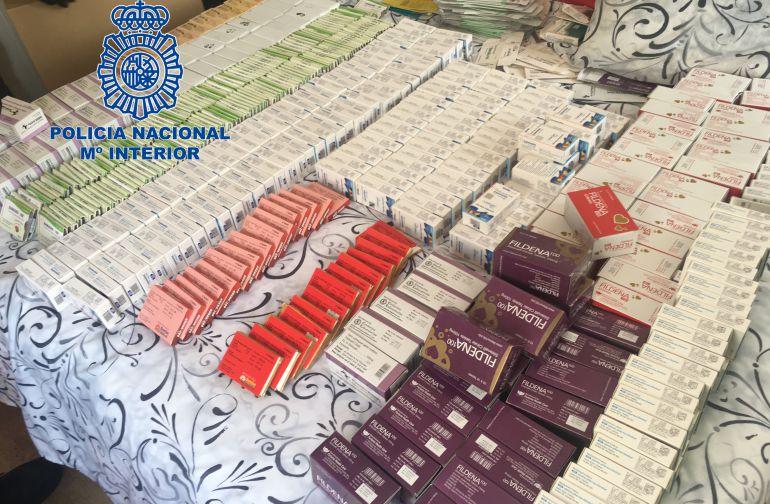 Los agentes han intervenido 400.000 pastillas de 62 tipos de fármacos