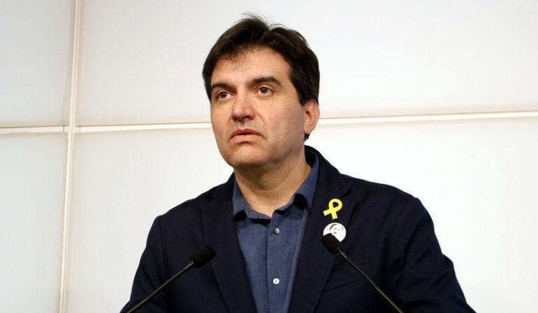 El portavoz de ERC, Sergi Sabrià, durante una rueda de prensa.
