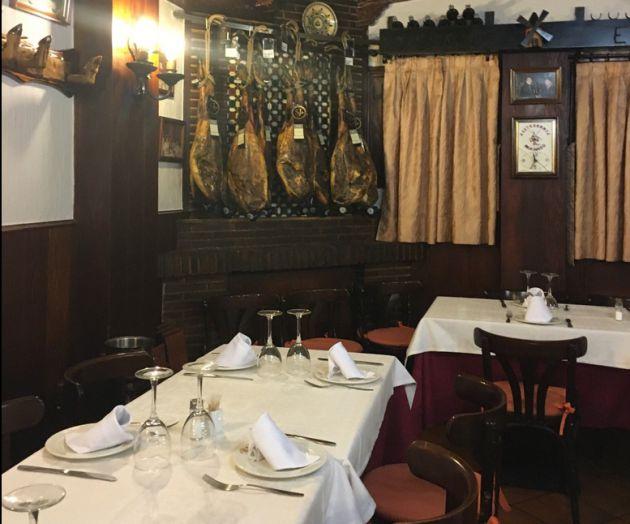 Interior del restaurante El Molinero.