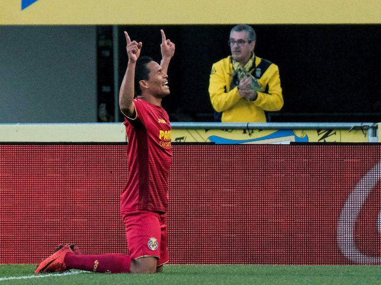 Bacca celebra su gol