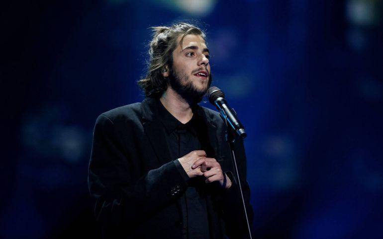 Salvador Sobral durante su actuación en Eurovisión 2017