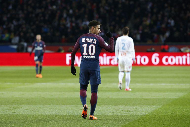 Neymar durante un encuentro con el PSG.