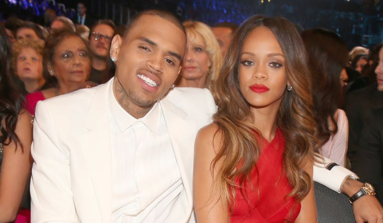 Rihanna con su actual ex pareja, Chris Brown.