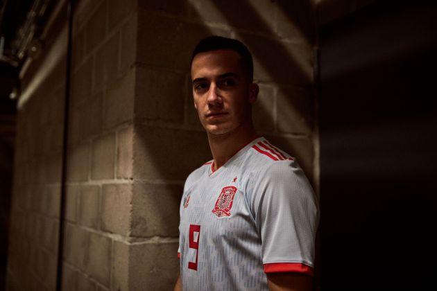 Lucas Vázquez, con la camiseta azul claro