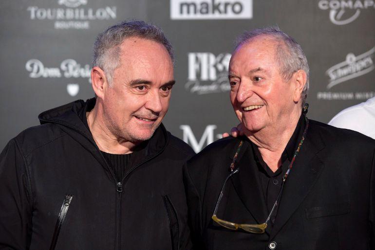 Ferran Adrià y Juan Mari Arzak, a su llegada al 'A 4 manos' celebrado el pasado lunes en Marbella.