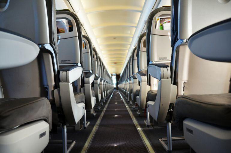 Imagen de una cabina de avión