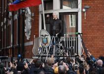 ecuador aisla assange hablar cataluña expulsión rusos