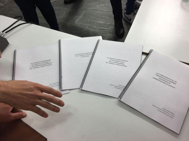 Los cuatro trabajos que Casado ha mostrado en su rueda de prensa.