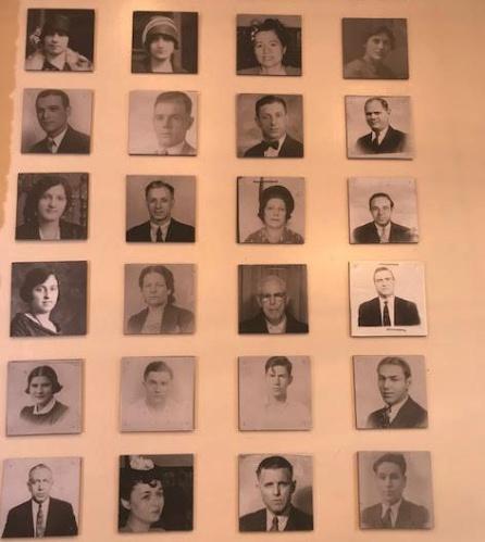 Fotografías de españoles en 'La Nacional'.