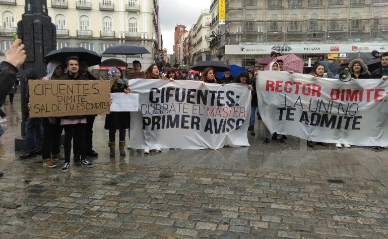 Manifestación de los estudiantes de la URJC en Sol