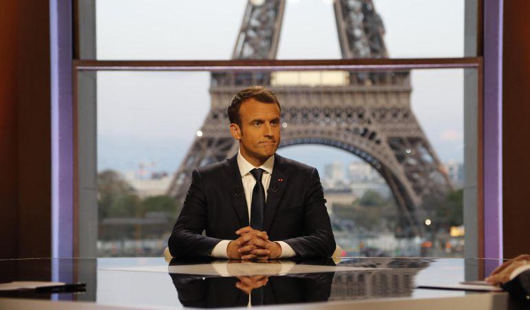 Emmanuel Macron en una entrevista a la televisión francesa