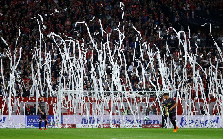 Protesta de los aficionados del Mainz por jugar el lunes