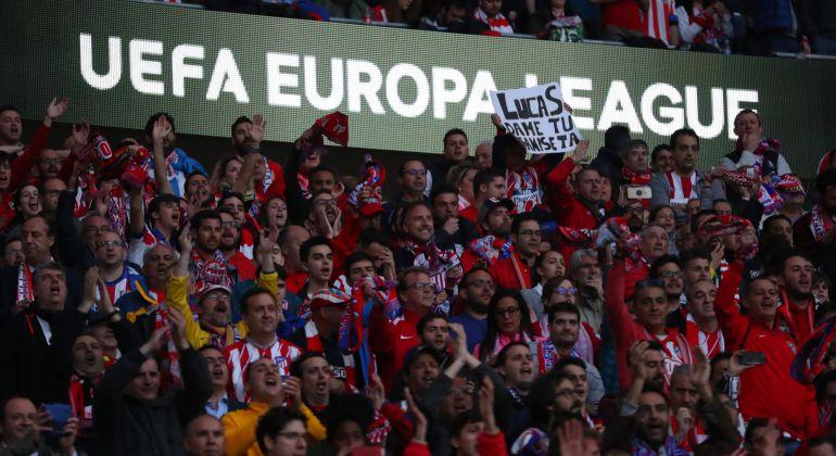Aficionados del Atlético en el partido ante el Arsenal en el Wanda Metropolitano.