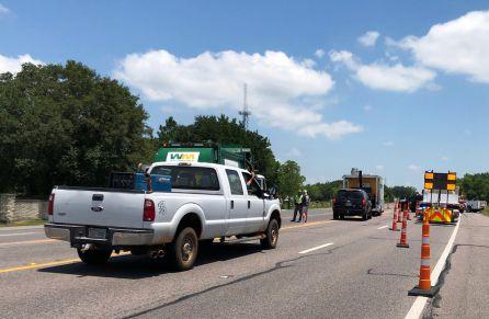 La policía busca explosivos en el Santa Fe High School.