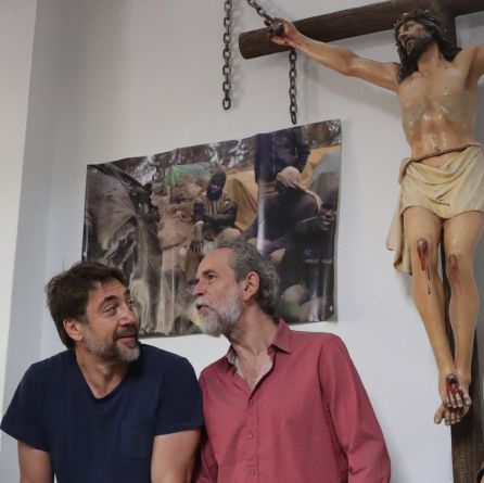 El actor Willy Toledo junto a su colega Javier Bardem.