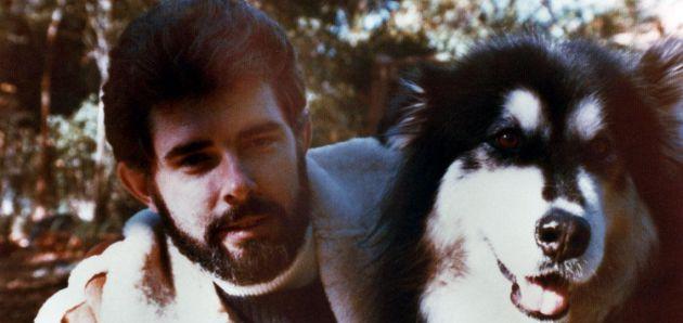 George Lucas junto a su perro Indiana.