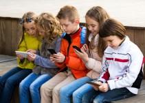 Los niños europeos, a salvo de las emisiones de los móviles