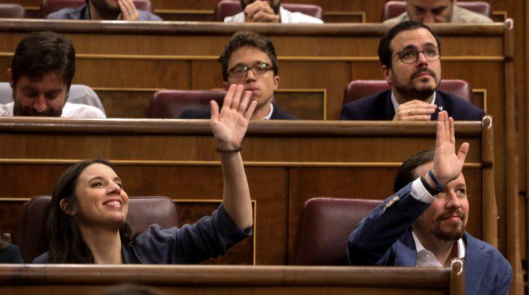 Los diputados de Unidos Podemos durante la moción de censura de Rajoy