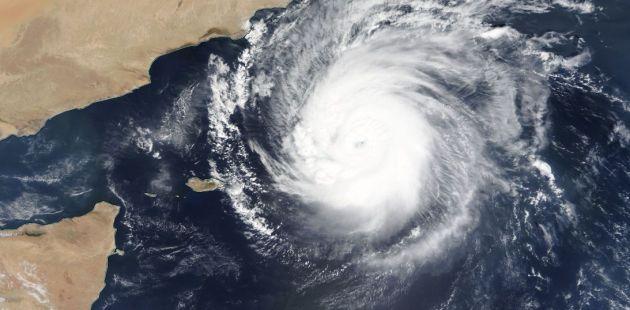 El programa muestra los huracanes que han tenido lugar en los últimos 20 años.