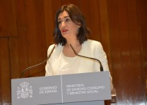 La primera medida de Carmen Montón será reimplantar la asistencia universal en Sanidad