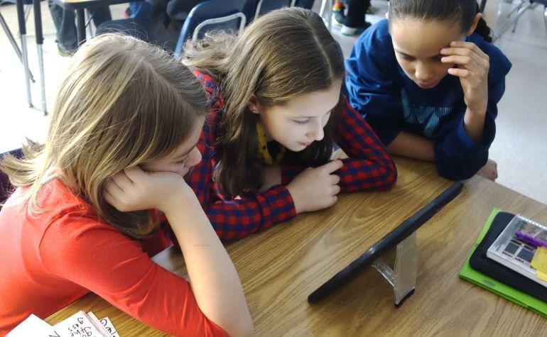 ¿Tabletas para los niños en los colegios? O cambiamos de método o no sirve