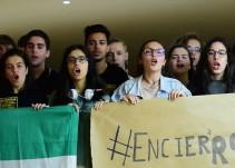¡Otra solución, no repetición!: el grito de los estudiantes encerrados para no volver a hacer la selectividad