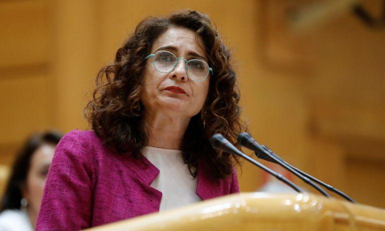 La ministra de Hacienda, María Jesús Montero, durante su intervención en el Senado