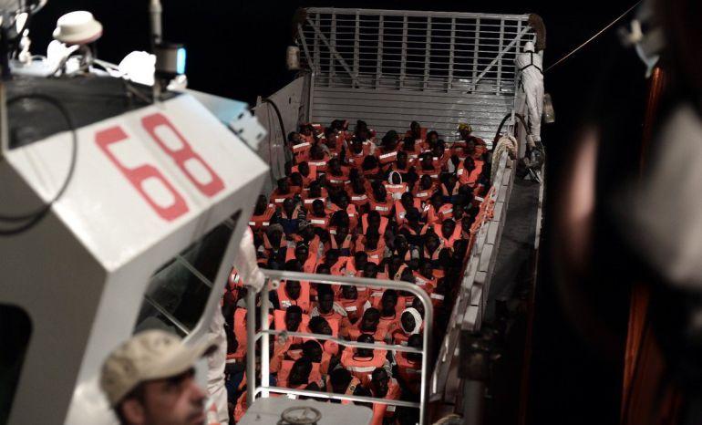 Italia: Barco de rescate Aquarius sigue a la deriva tras rechazo europeo