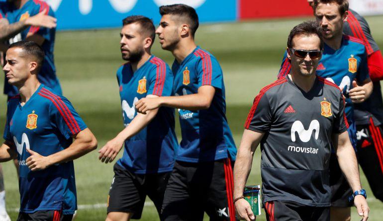 Julen Lopetegui, en el entrenamiento de este martes con la selección española.